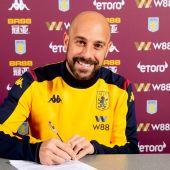 Pepe Reina, portero del Aston Villa.