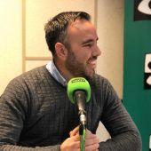 Rafa Simó en los estudios de Onda Cero Castellón.