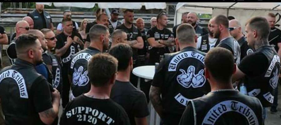 Algunos de los miembros de la banda de moteros United Tribuns