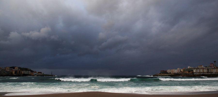 Grandes olas y riesgo de inundaciones en Galicia por la llegada de una nueva borrasca