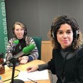 La consellera balear de Hacienda y Relaciones Exteriores, Rosario Sánchez, con Elka Dimitrova en Onda Cero Mallorca.