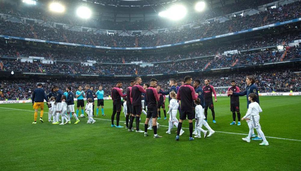 El Sevilla hace pasillo al Real Madrid por la Supercopa de España