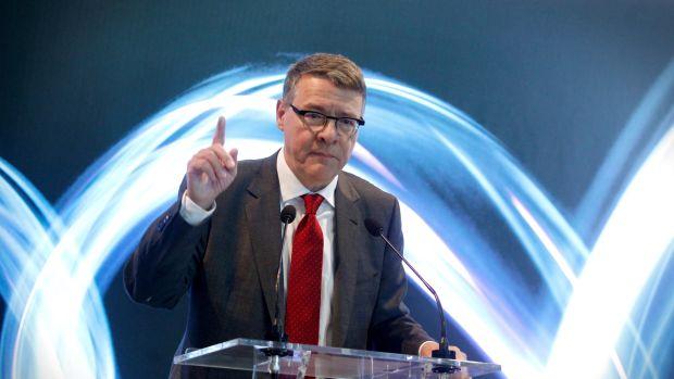 Jordi Sevilla presenta su dimisión como presidente de la Red Eléctrica de España