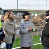 Pilar Zamor ha visitado las obras del pabellón deportivo de Las Casas
