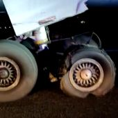 Así quedaron la rueda y el motor del avión de Air Canada que aterrizó de emergencia en Barajas