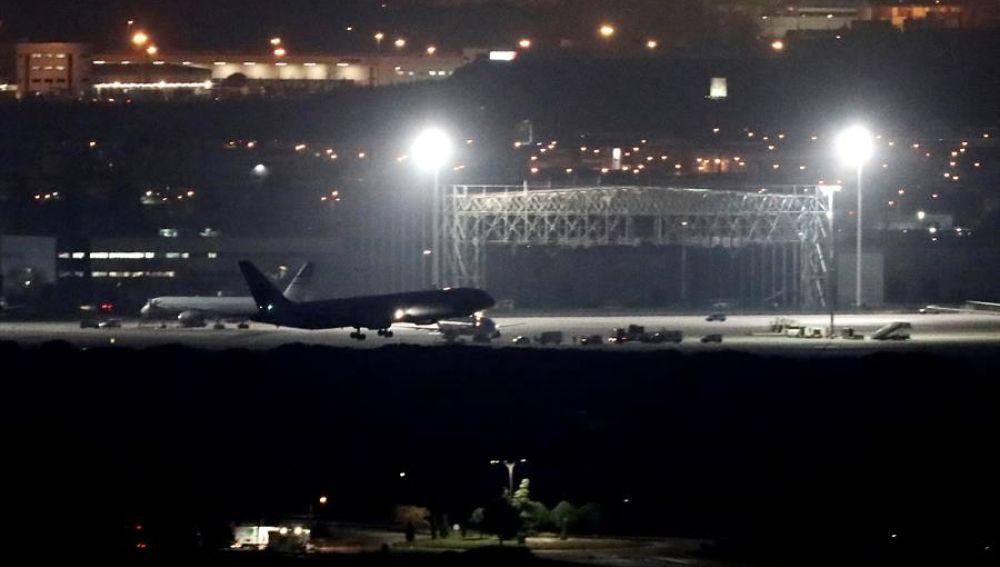 El avión de Air Canadá aterriza sin problemas en el aeropuerto madrileño de Barajas