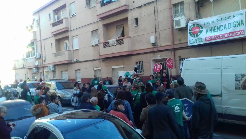 Concentración de la PAH Elche en el barrio de Carrús.
