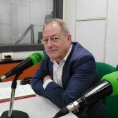 Aurelio Martín en los estudios de ONDA CERO Gijón