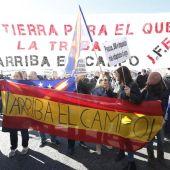 Agricultores y ganaderos protestan ante el Ministerio de Agricultura
