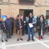 Concentración en Husillos (Palencia) condenando la muerte del bebé arrojado al río Carrión en la localidad.