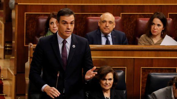 """Las preguntas de Amón: """"Sánchez repitió cuatro veces que la legislatura durará cuatro años, ¿se está convenciendo a sí mismo?"""""""