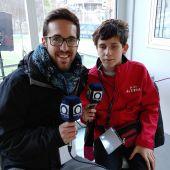 Pere, el niño ciego de Olot que narra partidos del equipo local en la radio
