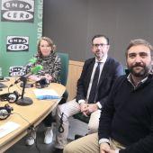 Alejandro Sáenz de San pedro y Pau Comas, entre otros responsables de Hotecma, con motivo del Premio Onda cero Mallorca de la Educación que recibirá la escuela.