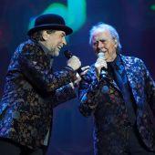 Los cantantes Joan Manuel Serrat y Joaquín Sabina