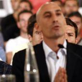 Rubiales con Iker Casillas.