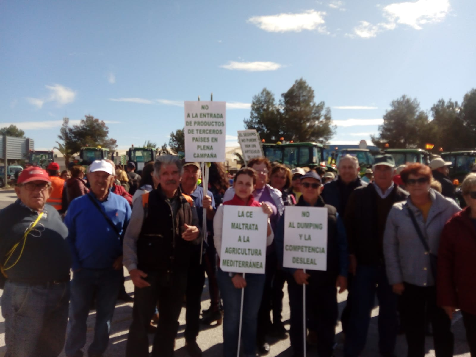 Loa agricultores ven insuficiente los cambios del Gobierno y mantienen las movilizaciones