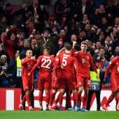 Los jugadores del Bayern Múnich celebran un gol ante el Chelsea