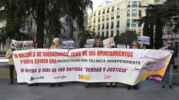 """Las víctimas de Alvia reclaman una reunión con el Gobierno que no sirva para """"quedar bien en los medios"""""""
