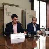 El conseller balear de Turismo, Iago Negueruela, se reúne con el conseller de Medio Ambiente, Miquel Mir.