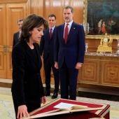La nueva Fiscal General del Estado, Dolores Delgado, jura su cargo ante el rey Felipe VI