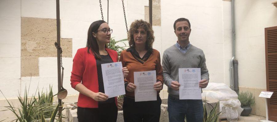 Los portavoces del PP, PI y Cs en el Consell de Mallorca, Llorenç Galmés, Xisca Mora y Beatriz Camiña.
