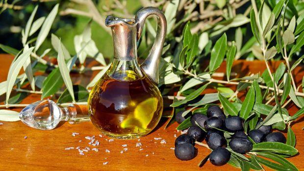 El color no indica calidad en el aceite y otros mitos que tienes que saber