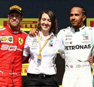 La ingeniera española que ha diseñado el motor de Lewis Hamilton