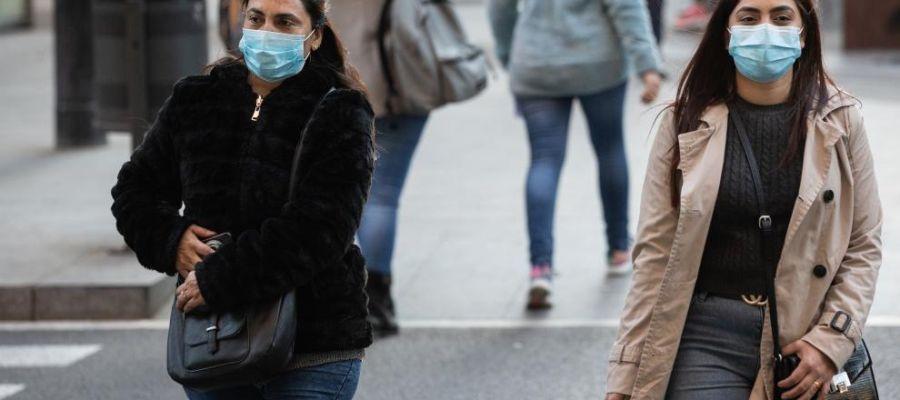 Personas con mascarillas para protegerse del coronavirus.