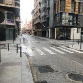 Las céntricas calles Puerta de Alicante y Puente Ortices, sin gente tras decretarse el estado de alarma en España por la pandemia del virus COVID-19.