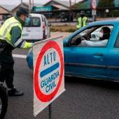Control de la Guardia Civil de Tráfico por el coronavirus