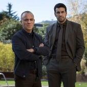 Imagen promocional de 'Hogar', con los actores Javier Gutiérrez y Mario Casas