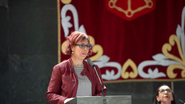 """Rebeca Esnaola, consejera de cultura: """"Estamos lanzando ideas al sector de las artes escénicas para ayudar"""""""