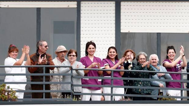 """Paola Pérez trabajadora de la residencia San Jerónimo: """"Nos vinimos aquí para que las personas mayores estén tranquilas"""""""