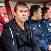 El entrenador del Sevilla Julen Lopetegui, durante el partido ante el RCD Mallorca, correspondiente a la decimoctava jornada de La Liga Santander que se disputa en el estadio de Son Moix en Mallorca. EFE/Cati Cladera