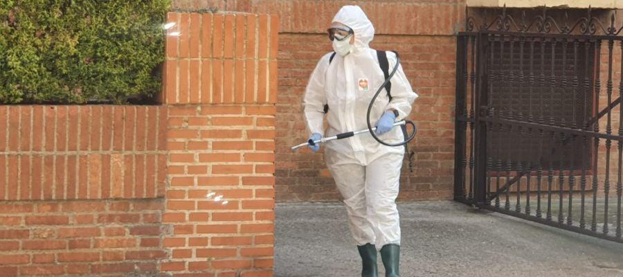 La UME desinfecta cuatro centros de Palencia