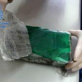 Paquete de cocaína incautado por la Policía Nacional