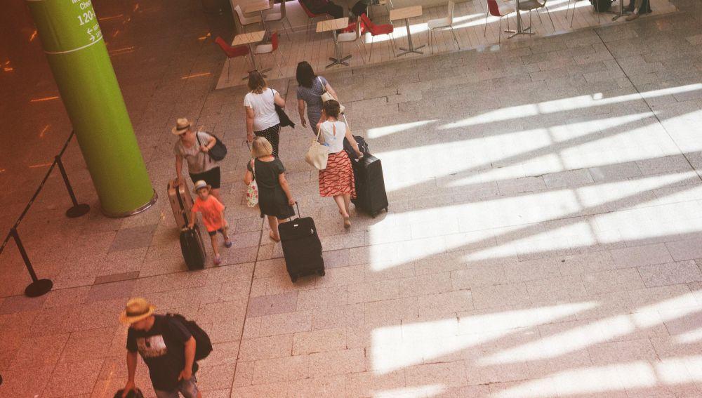 Turistas en el Aeropuerto de Palma