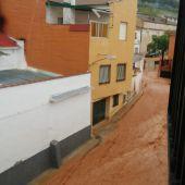 La fuerte tormenta dejó calles anegadas en Carrizosa