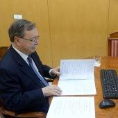 El Presidente de Ceuta, Juan Vivas, en videoconferencia con Sánchez.