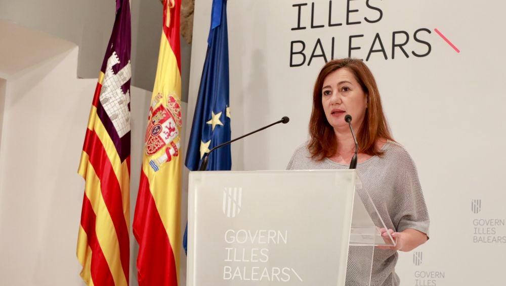 La Presidenta del Govern, Francina Armengol, en rueda de prensa, tras mantener varias reuniones con expertos, Consells insulars, FELIP y el Ayuntamiento de Palma.