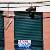 las inmobiliarias retiran carteles de se alquila por los okupas
