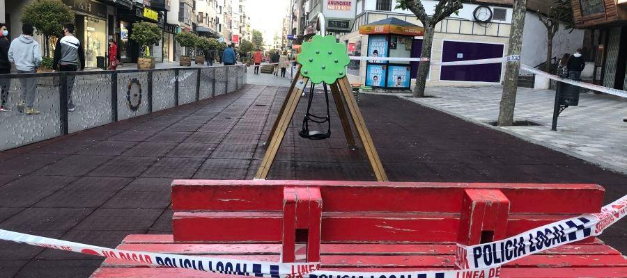 Parque infantil en la céntrica calle Carretería
