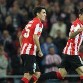 Iraola y Aduriz, en un encuentro con el Athletic.