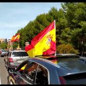 La caravana de protesta ha transcurrido por la Avenida de los Reyes Católicos y calle Tomelloso