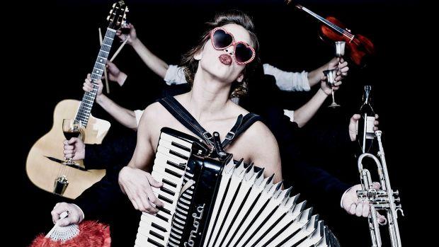 Kinótico 199. Natalia Tena, la reina del acordeón que triunfa con 'Te quiero, imbécil'