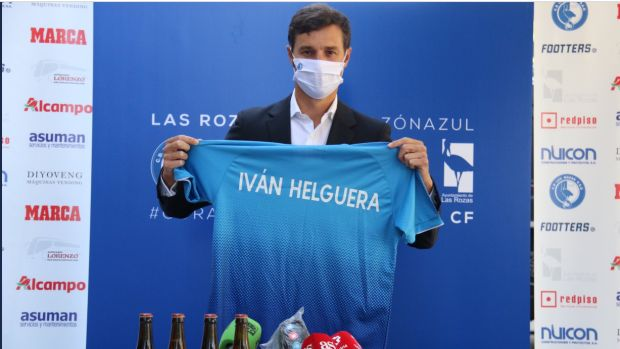 "Helguera: ""Me ha sorprendido más ver a Zizou en los banquillos que a Ronaldo de presidente"""