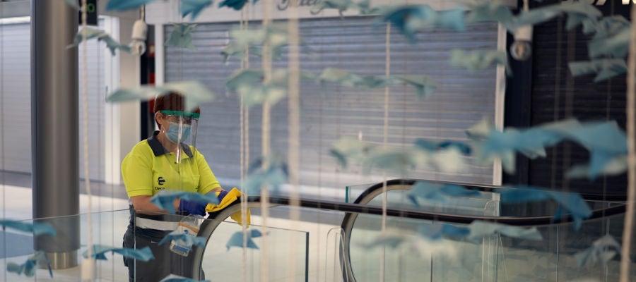 El Centro Larios ha implementado medidas de desinfección.