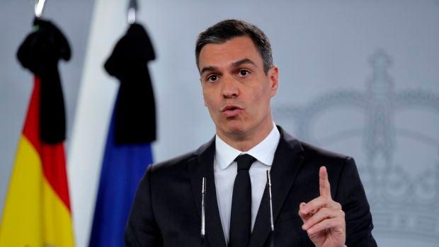"""Las preguntas de Amón: """"¿Ha conseguido Sánchez la proeza de unir a los nacionalistas y de separar a los españoles?"""""""
