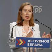 a vicepresidenta del Congreso, Ana Pastor.