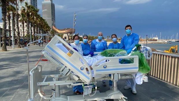 """El bonito """"tratamiento"""" del Hospital del Mar con sus pacientes ingresados en UCI"""